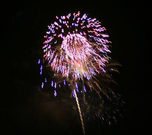 Feuerwerk © flickr.com / majorvols