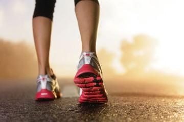 Runner feet sunrise, Fitness, Gesundheit, Joggen